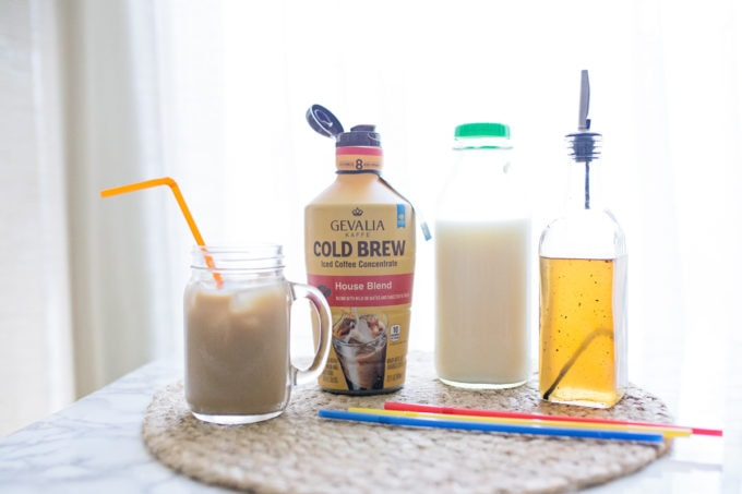 Vanilla Simple Syrup Recipe How to make cold brew at home Coffee Mommy Blogger Mom Blog