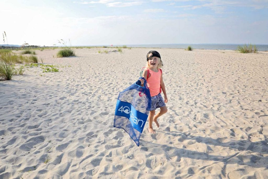 beach cleanup amber faust lifestyle travel influencer blog blogger mommy mom parenting