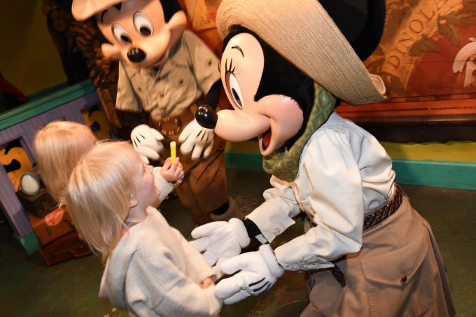Disney Mom Blog Where to find mickey and Minnie at Disney World