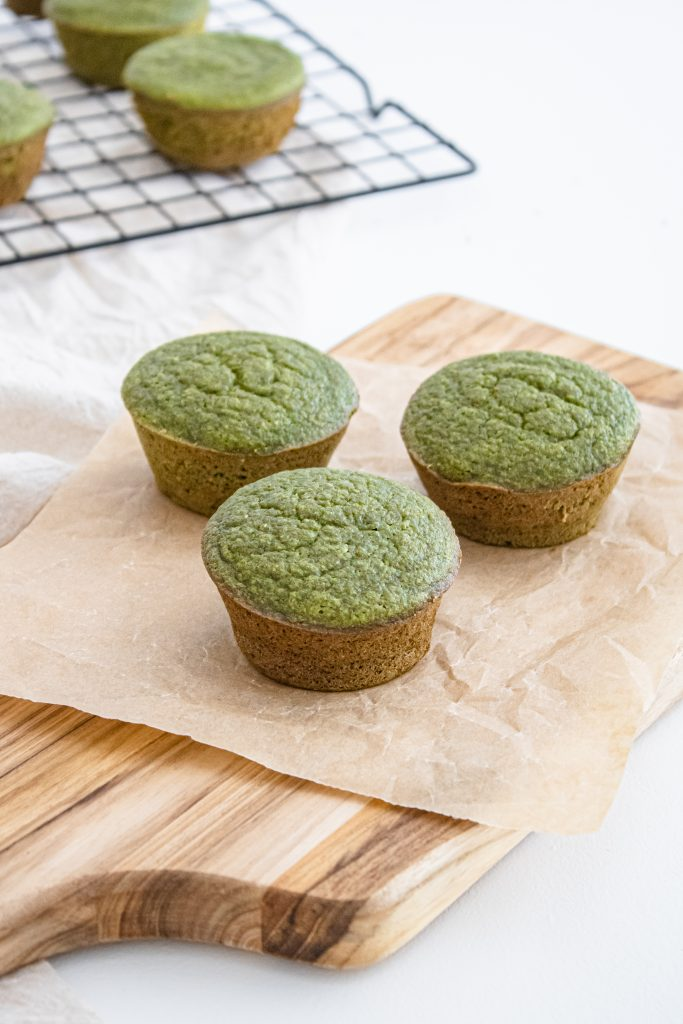Back to school healthy muffin recipe by mommy blogger Amber Faust 2022